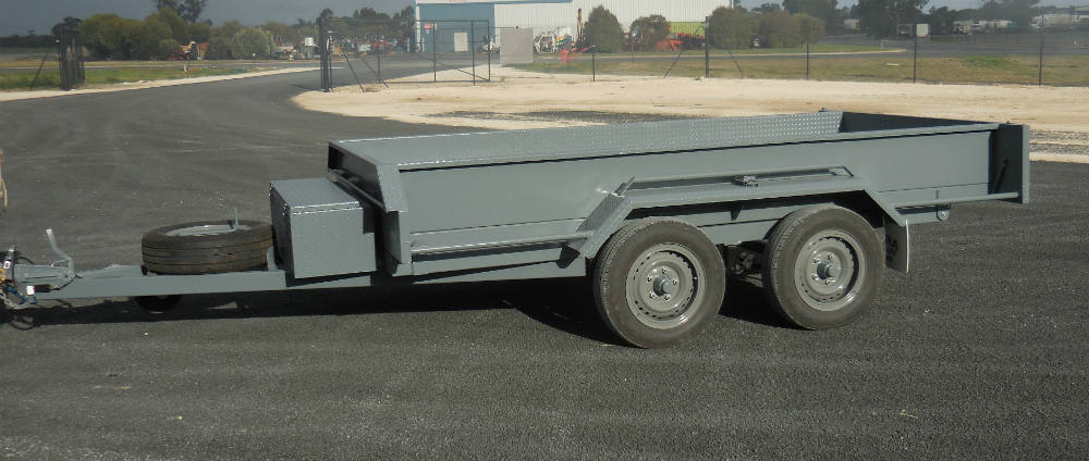 Tipping Trailer - Electric Brakes on all axles